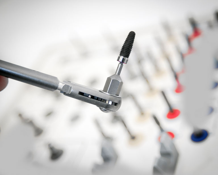 Dental implant tool